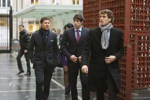 Fernando Llorente, Javi Martinez & Xabi Alonso -honored سے طرف کی the Basque government (1.12.2010)