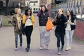 Flirty Harry Wiv 4 Of His fãs (Ladies Man) :) x