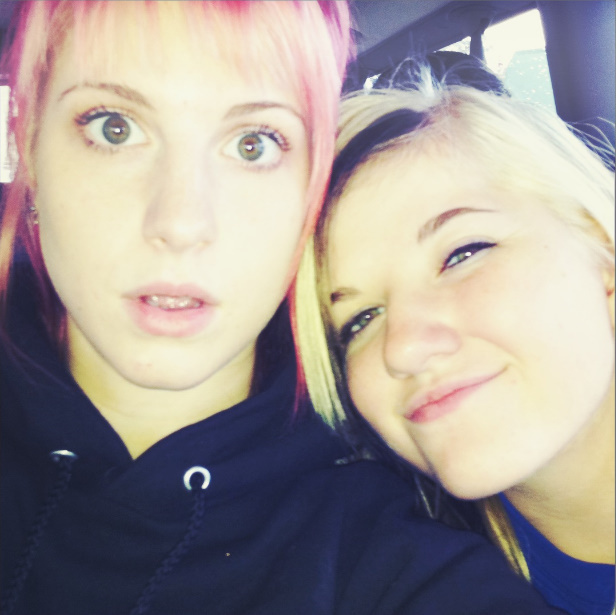 hay and sister hayley williams photo 17304077 fanpop