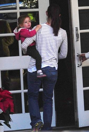 Jen & Seraphina out for Lunch L.A.