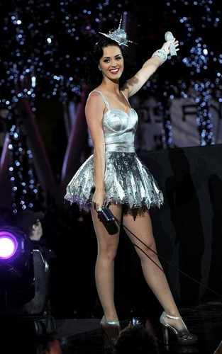 Katy Perry's Grammy Nominations konsiyerto Rehearsal