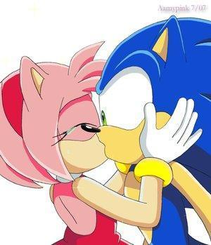 Kissing Sonic Super