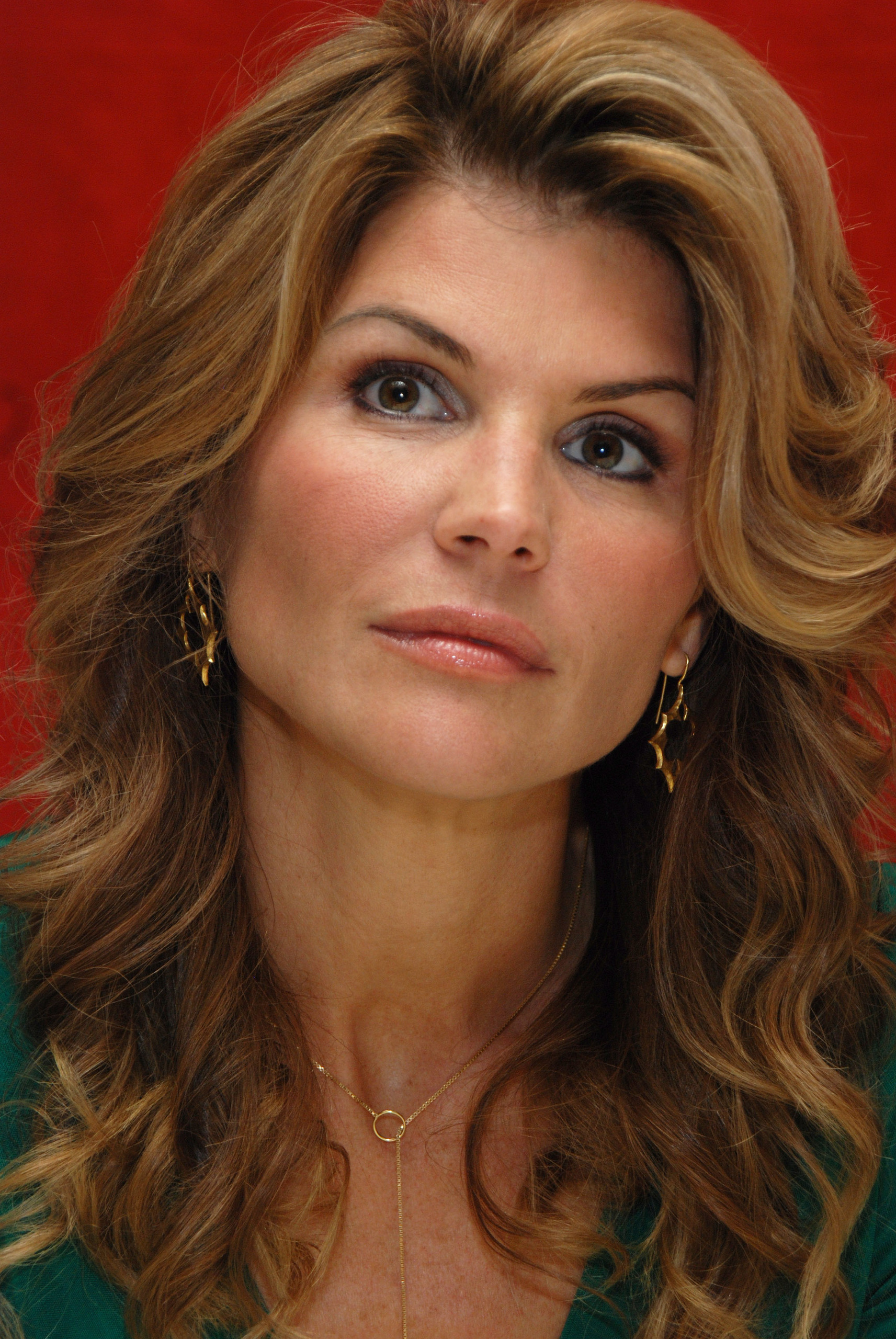 Lori loughlin lori loughlin photo 17323771 fanpop for Beauty full home