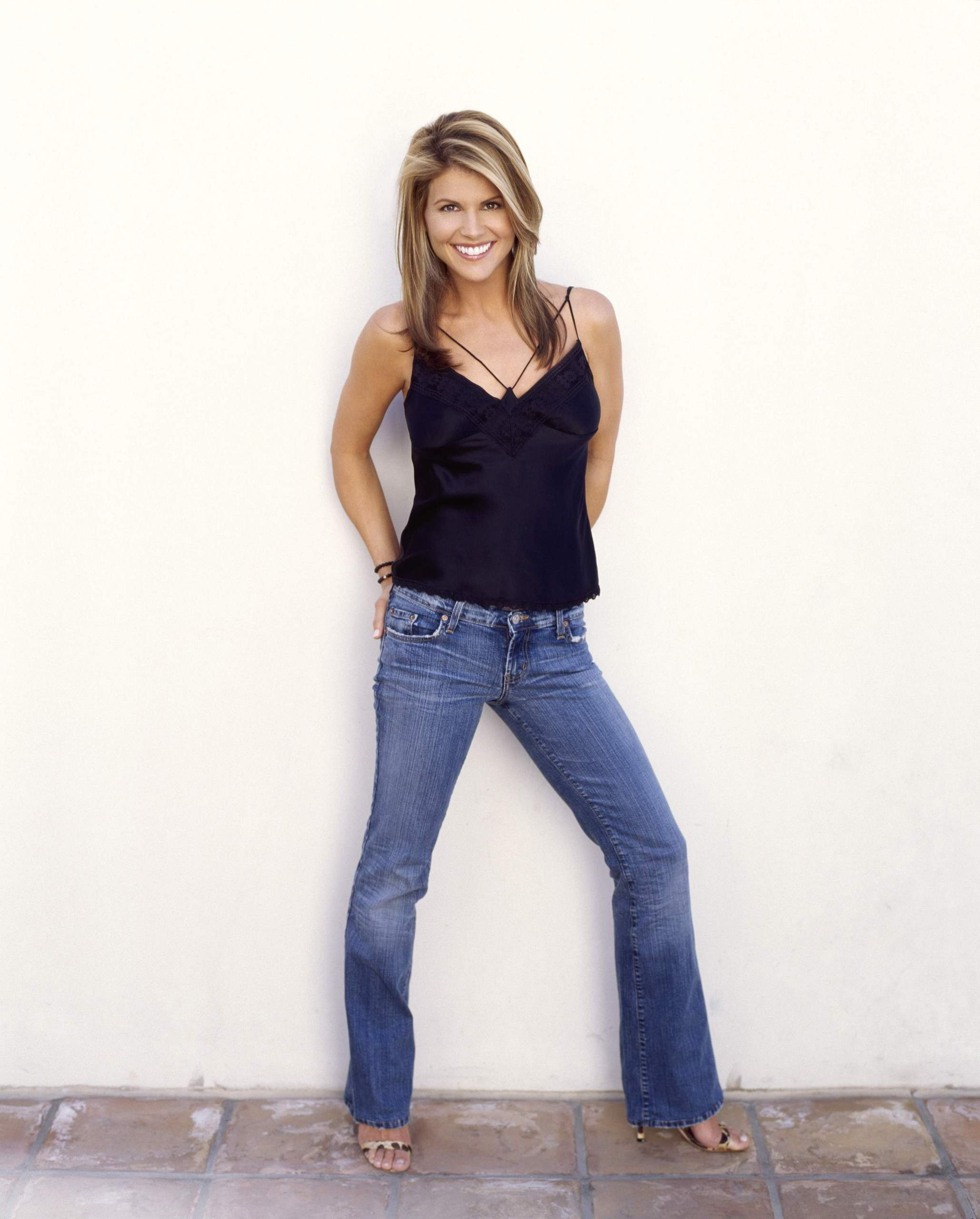Lori Loughlin - Images Hot