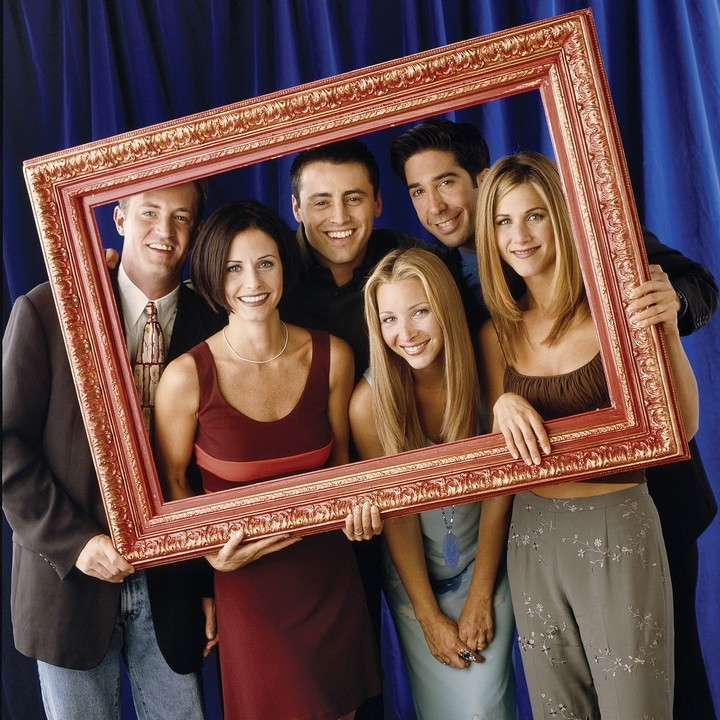 Matthew Perry, Matt LeBlanc, David Schwimmer, Courteney Cox, Lisa Kudrow, and Jennifer Aniston (HQ)