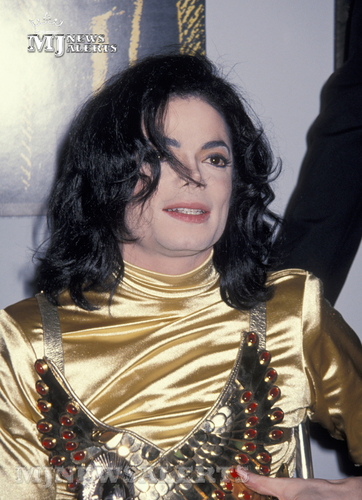 Michael at The Soul Train Awards, March 9th 1993