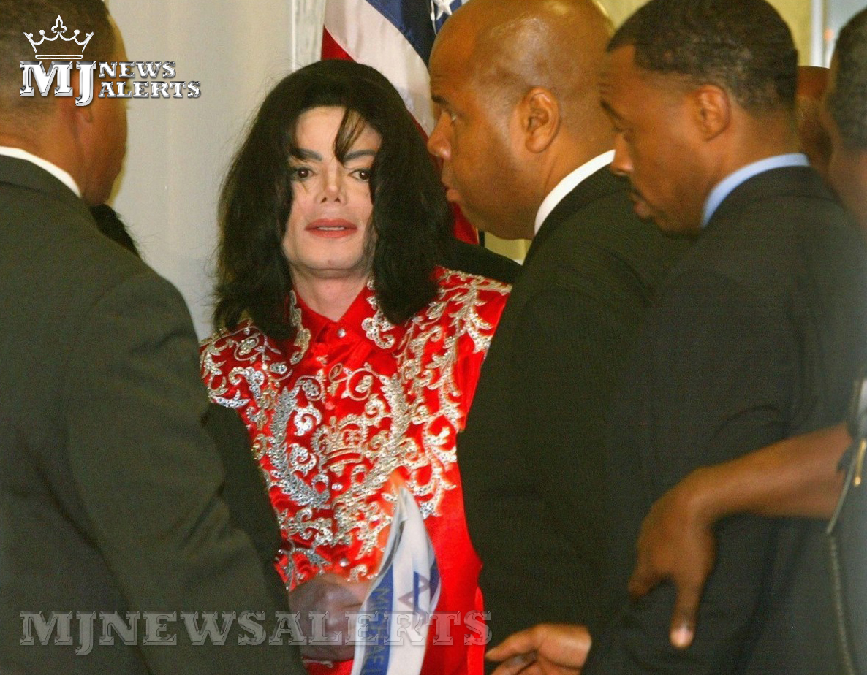 Michael visits Capitol 爬坡道, 小山