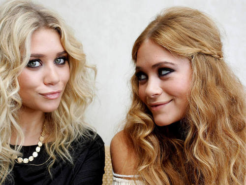Mary-Kate & Ashley Olsen wallpaper containing a portrait entitled Olsen Twins