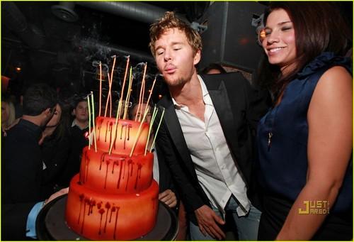Ryan Kwanten celebrates his 34th birthday!