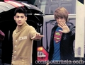 Sizzling Hot Zayn & Goregous Liam Waving To Their Fans :) x - liam-payne photo