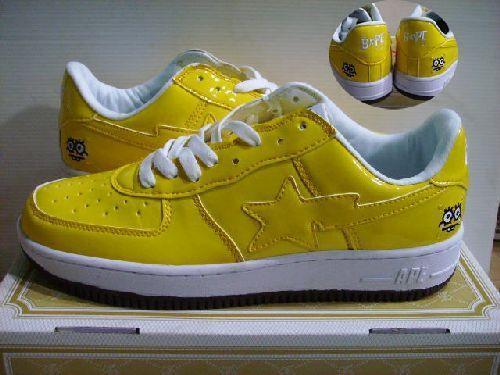 Bathing Apes wallpaper containing a running shoe called Spongebob Bathing Apes