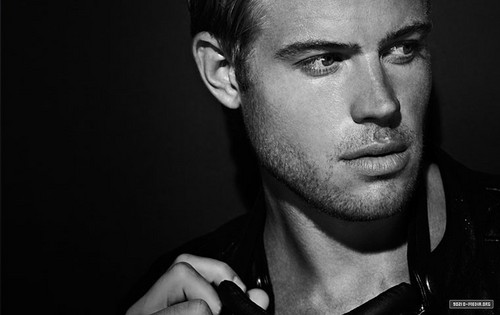 Trevor Donovan - Photoshoot - 90210 Photo