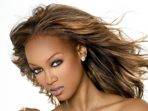 Tyra Banks wallpaper with a portrait entitled Tyra Banks