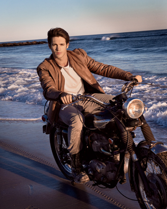 http://images4.fanpop.com/image/photos/17300000/VANITY-FAIR-SPOTLIGHTS-STEVEN-R-MCQUEEN-the-vampire-diaries-tv-show-17391467-340-424.jpg