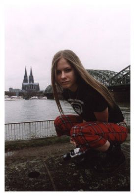 Young Avril fotografias