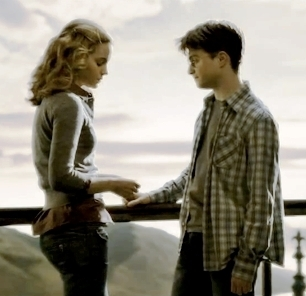Harry y hermione harry and hermione photo 17302670 - Harry potter hermione granger real name ...