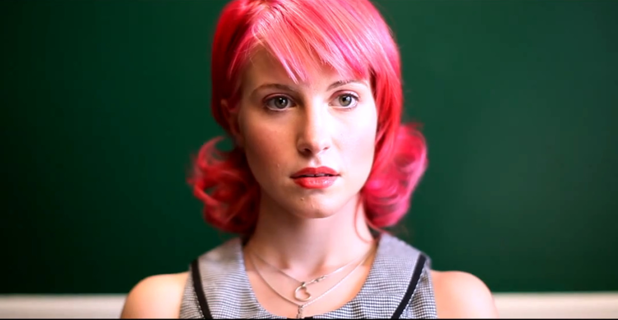 hayley williams haircut 2011. pink hair