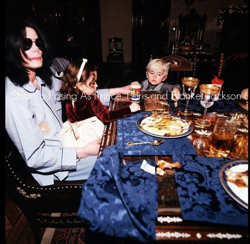 the jackson children wallpaper with a holiday dinner, a jantar table, and a jantar titled ppb