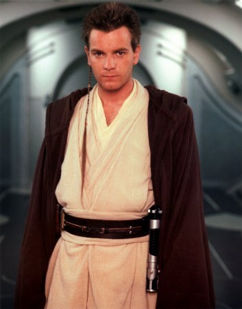 Ewan McGregor achtergrond containing a kimono titled young ObEwan
