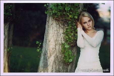 *Beautiful AnnaSophia!!*