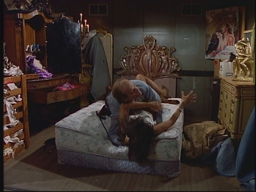 Frasier fondo de pantalla possibly containing a drawing room, a living room, and a family room entitled 3x07 The Adventures of Bad Boy & Dirty Girl
