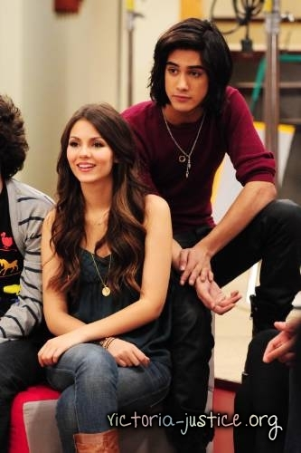 Behind the Scenes Victorious Photoshoot
