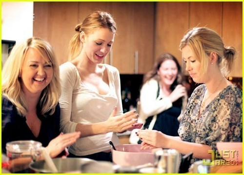 Blake Lively Cake Pop Party with Bakerella