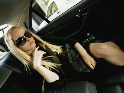 Avril Lavigne wallpaper with sunglasses titled Carlo Allegri Photoshoot 2006