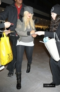 Christina Aguilera Arriving Narita Airport on 12/04 Candids