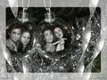 Christmas wallpaper - robert-pattinson-and-kristen-stewart wallpaper