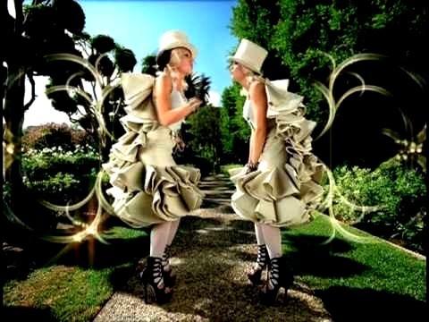 Gwen Stefani What anda Waiting For?