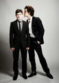 Iwan Rheon and Robert Sheehan ♥