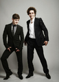 Iwan Rheon and Robert Sheehan  - misfits-e4 photo