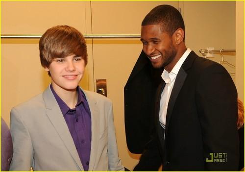 Justin Bieber World Leadeaship Awards