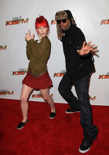 KIIS FM's Jingle Ball 2010 - Arrivals - paramore Photo
