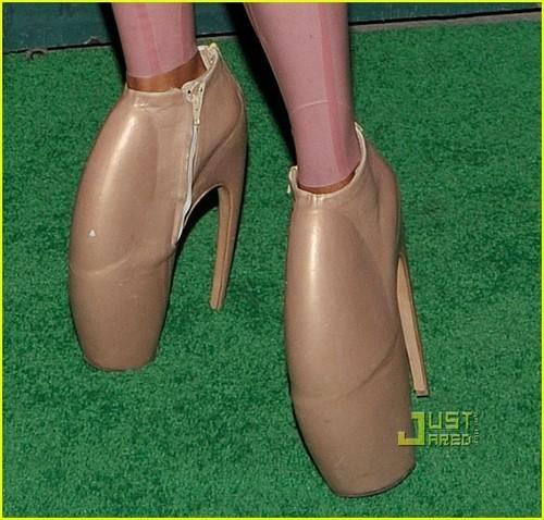 Kelis's gürteltier Shoes