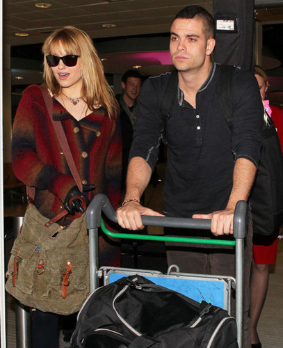 MD arriving in Londres airport