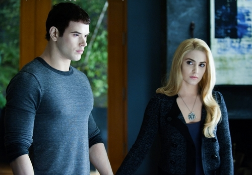 The Cullens वॉलपेपर possibly containing a pullover and a कार्डिगन entitled New Eclipse Stills & Behind Scenes [HQ]
