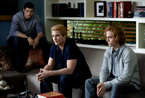 The Cullens wallpaper containing a family room called New Eclipse Stills & Behind Scenes [HQ]