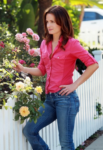 Elizabeth Reaser wallpaper with a bouquet and a garden nasturtium titled New/HQ 'The Ex List' Stills.