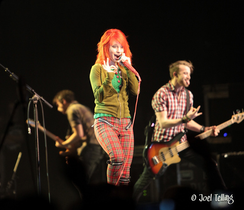 Paramore at Jingle Bell Bash - paramore Photo