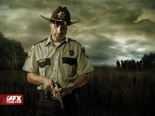 The Walking Dead karatasi la kupamba ukuta with a snap brim hat, a campaign hat, and a fedora entitled Rick Grimes