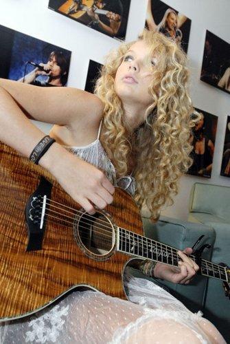 Taylor 迅速, 斯威夫特 - Photoshoot #009: AOL 音乐 (2007)