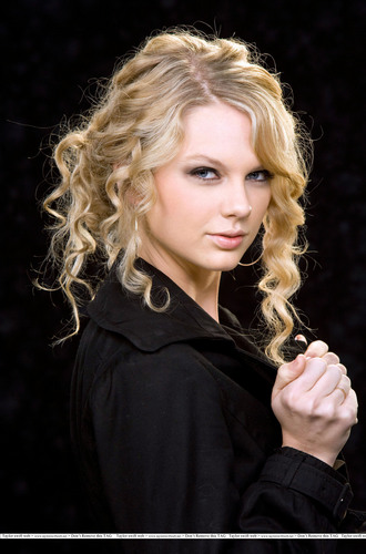 Taylor 迅速, スウィフト - Photoshoot #014: Grammy nominations portraits (2007)