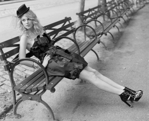 Taylor schnell, swift - Photoshoot #031: Cosmo Girl (2008)