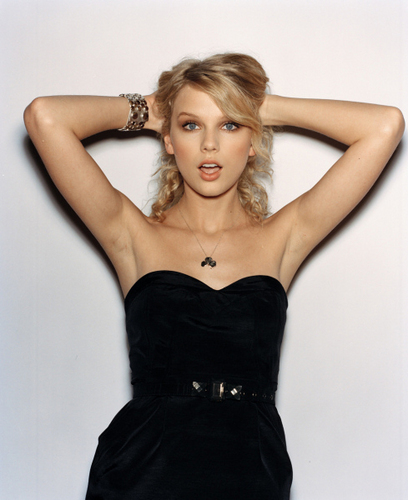 Taylor تیز رو, سوئفٹ - Photoshoot #031: Cosmo Girl (2008)