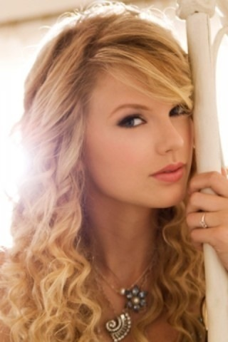 Taylor pantas, swift - Photoshoot #033: Fearless album (2008)