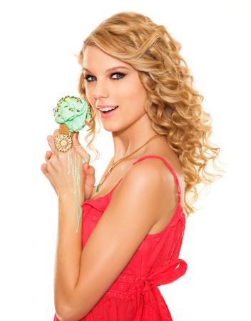 Taylor Swift - Photoshoot #034: Seventeen (2008 ...  Taylor Swift - ...