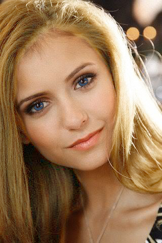The Vampire Diaries پیپر وال containing a portrait and attractiveness titled The blonde elena gilbert