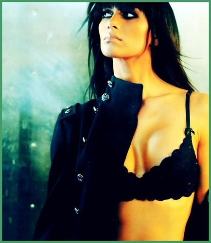 nicole scherzinger wallpaper probably containing a portrait titled nicOLe